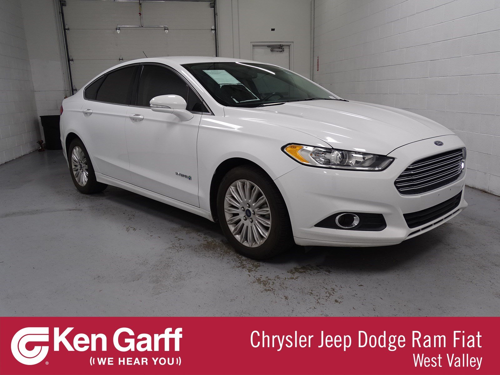 Pre Owned 2014 Ford Fusion SE Hybrid 4dr Car 1DW8219