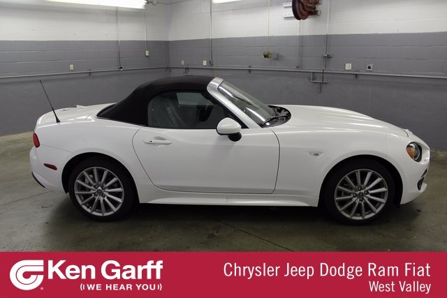Certified Pre-owned 2017 FIAT 124 Spider Lusso With Navigation