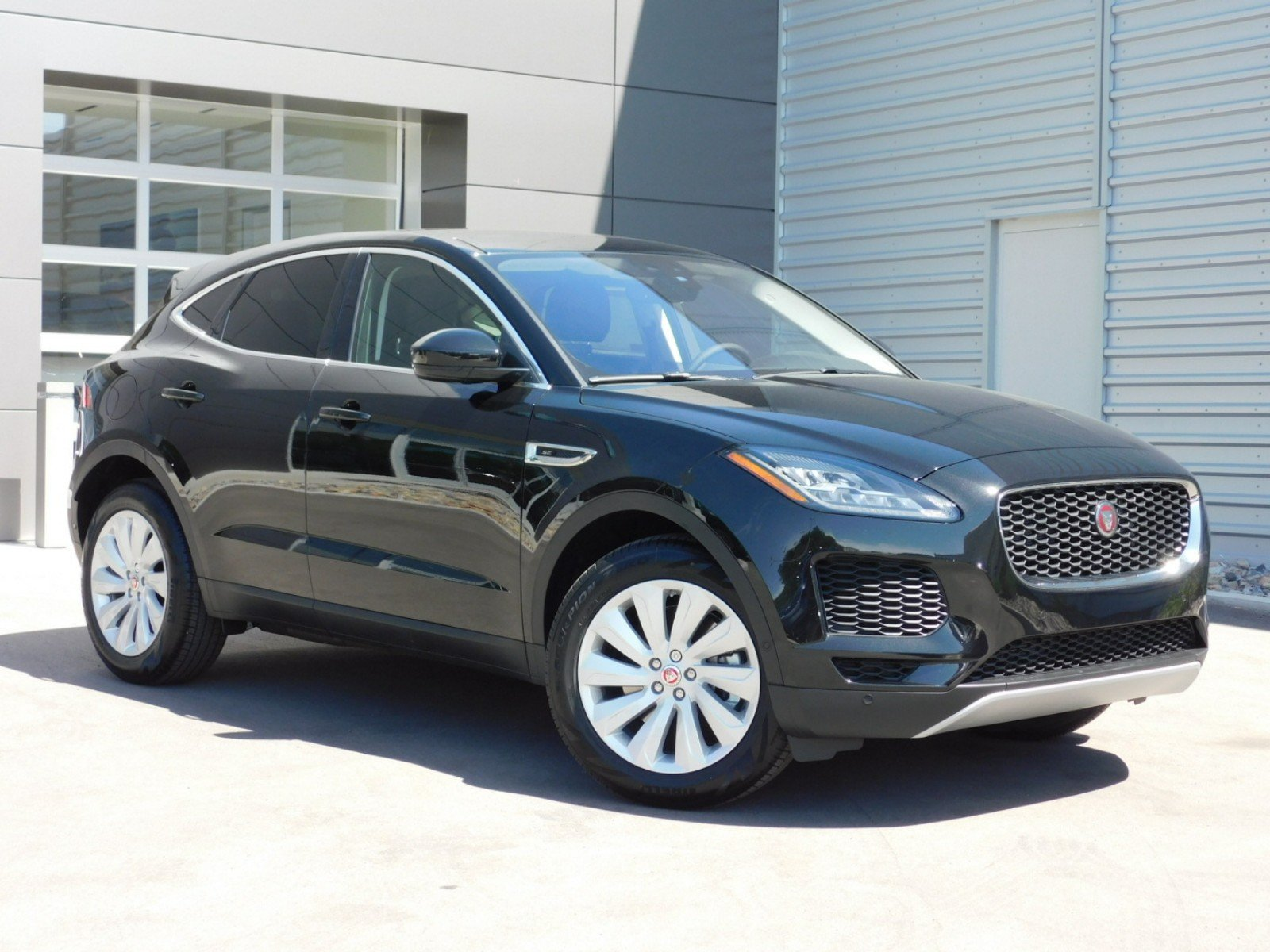 New 2018 Jaguar E PACE SE