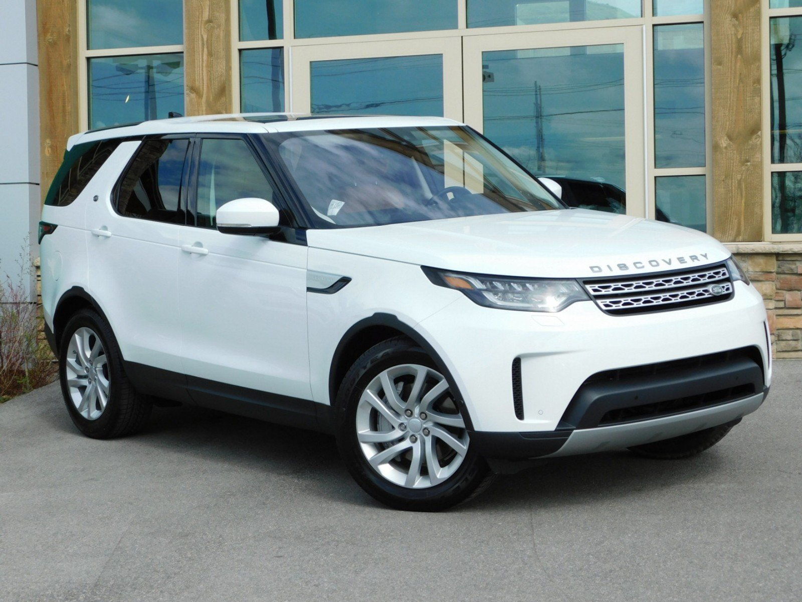 Discovery Land Rover >> Certified Pre Owned Land Rover Discovery Hse With Navigation 4wd