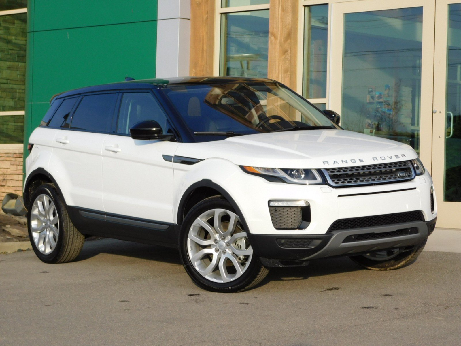 Land Rover Range Rover >> New Land Rover Range Rover Evoque Se With Navigation 4wd