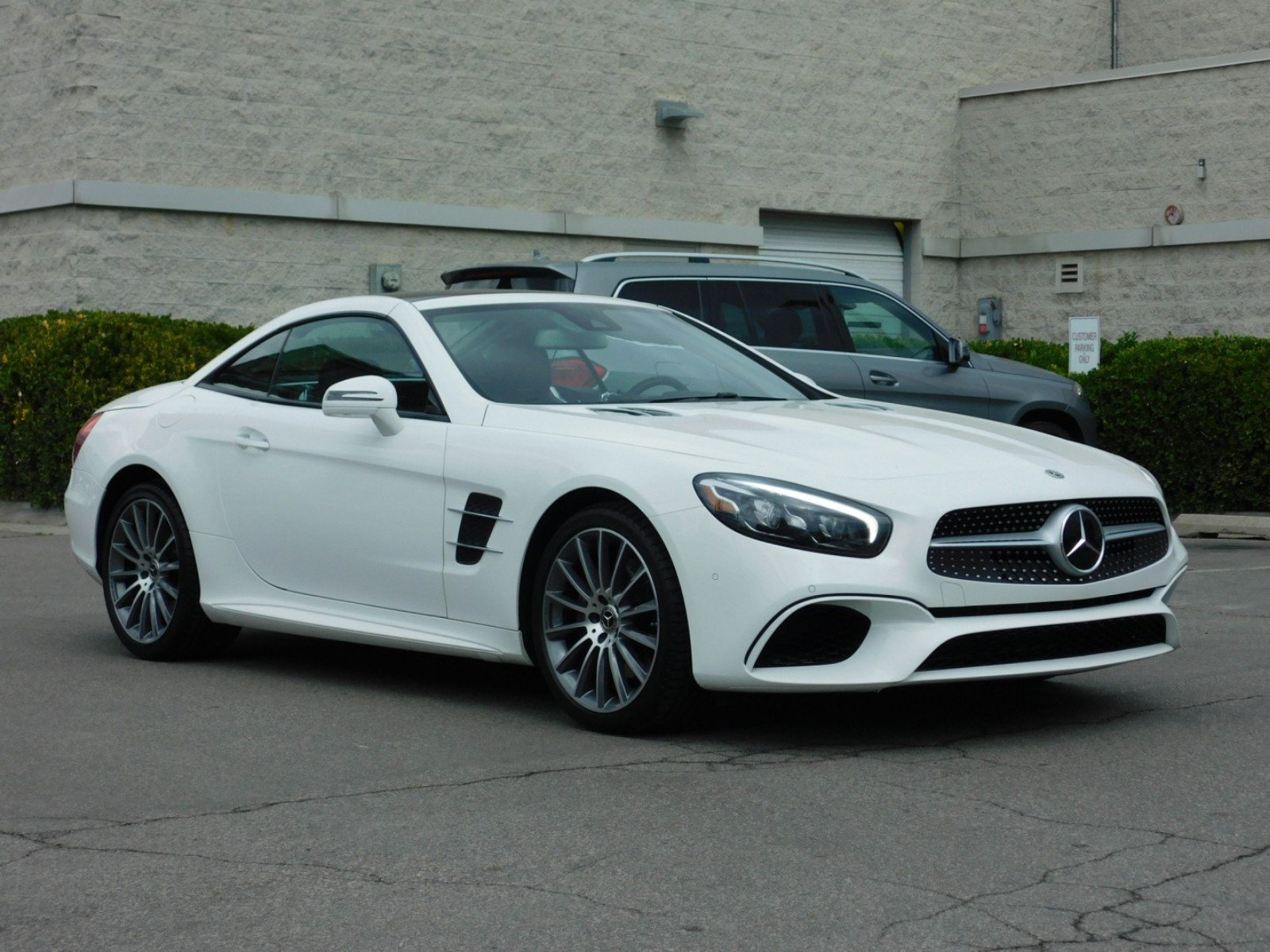 Pre Owned 2018 Mercedes Benz SL SL 550 Convertible 1MU1921