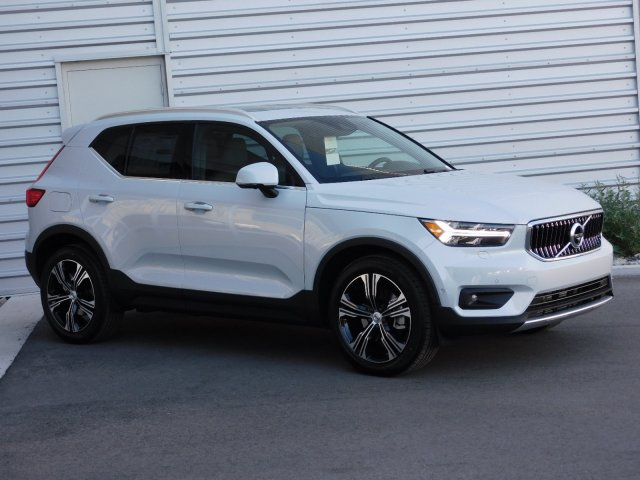 New 2020 Volvo XC40 Inscription AWD
