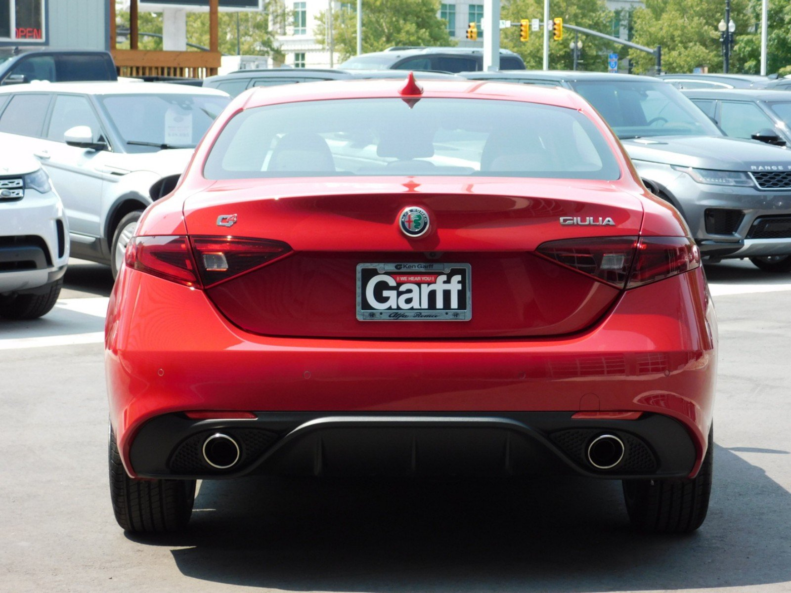 New 2018 Alfa Romeo Giulia 4dr Car 1A8102